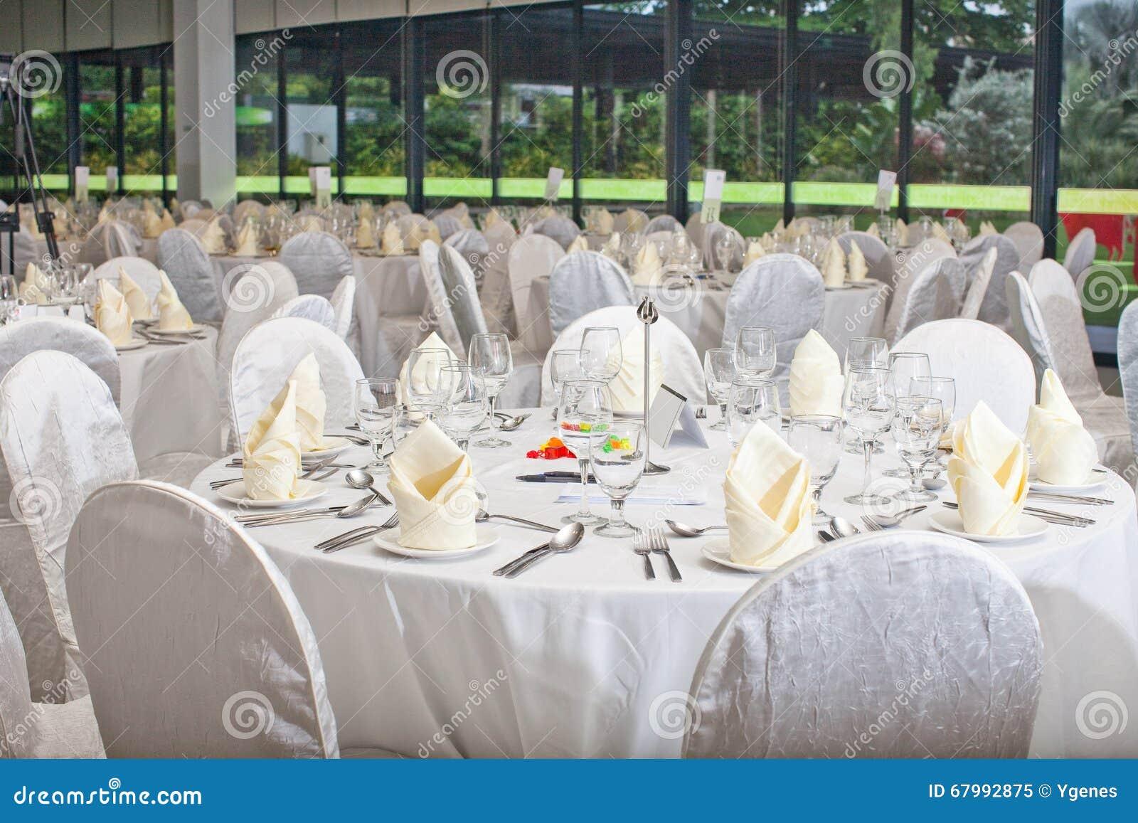 Formale Tabellen-Einstellung Bankettischdekoration