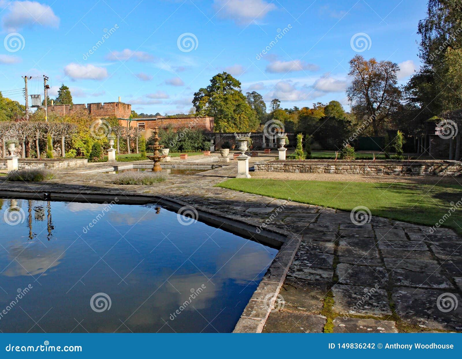 Formalni ogródy przy Arley arboretum w Midlands w Anglia i