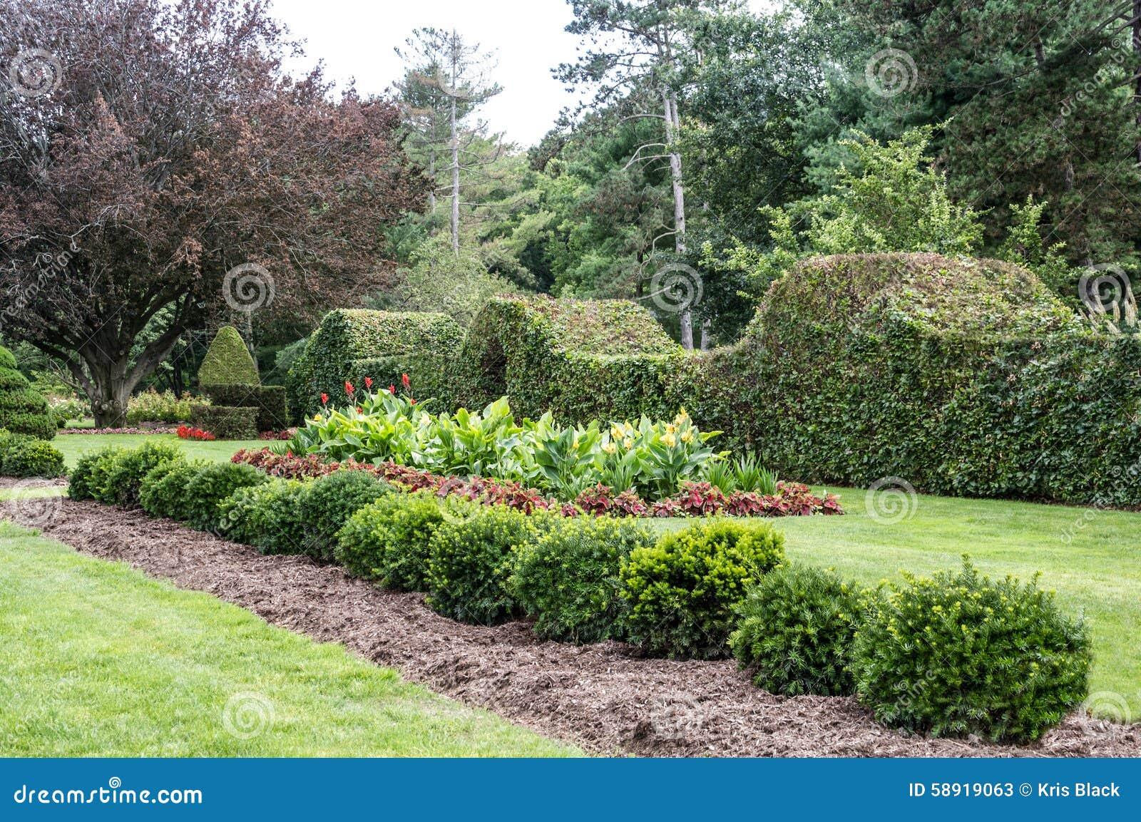 Formalny ogród przy Schoepfle