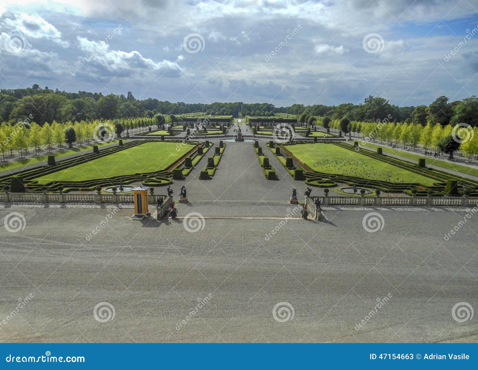 Formalny ogród w Sztokholm Drottningholm