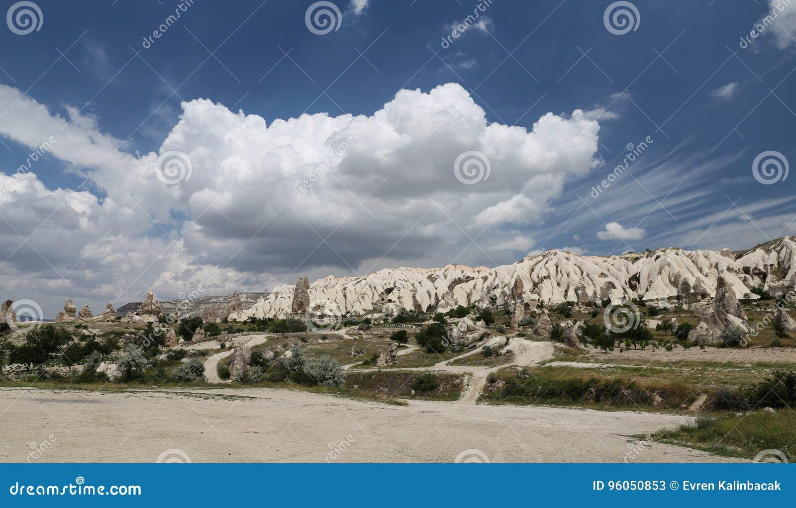 Formations de roche en vallée d épées, Cappadocia
