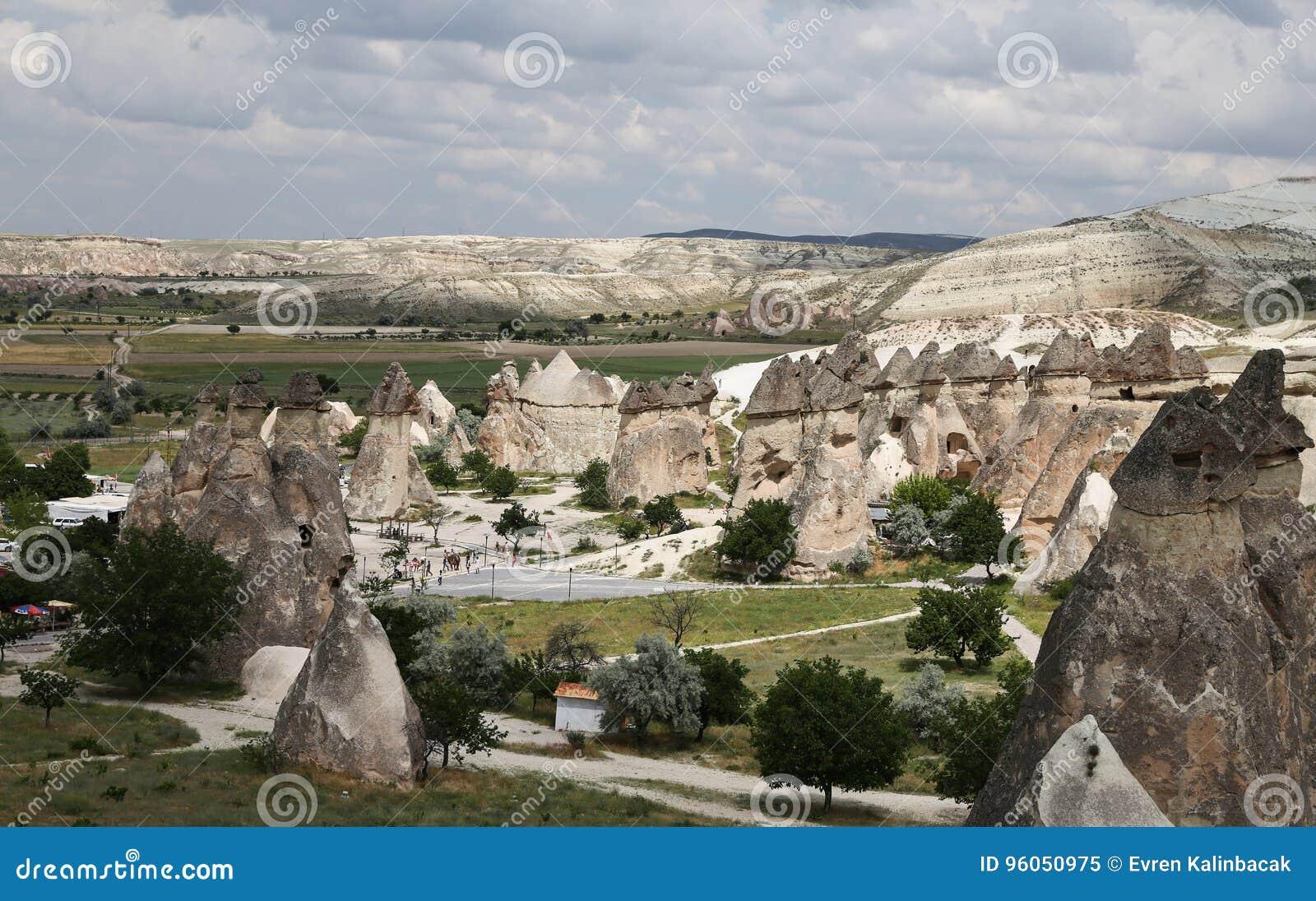 Formations de roche en vallée de moines de Pasabag, Cappadocia
