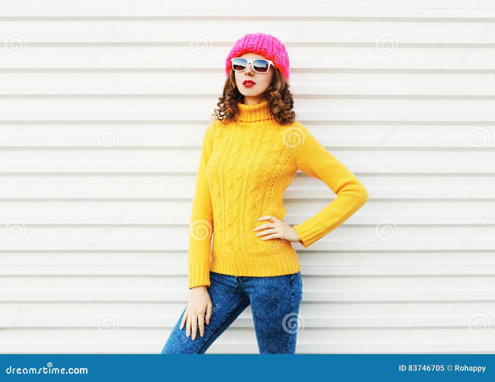 Fantástico Modelo Que Hace Punto Para El Sombrero Subordinado ...