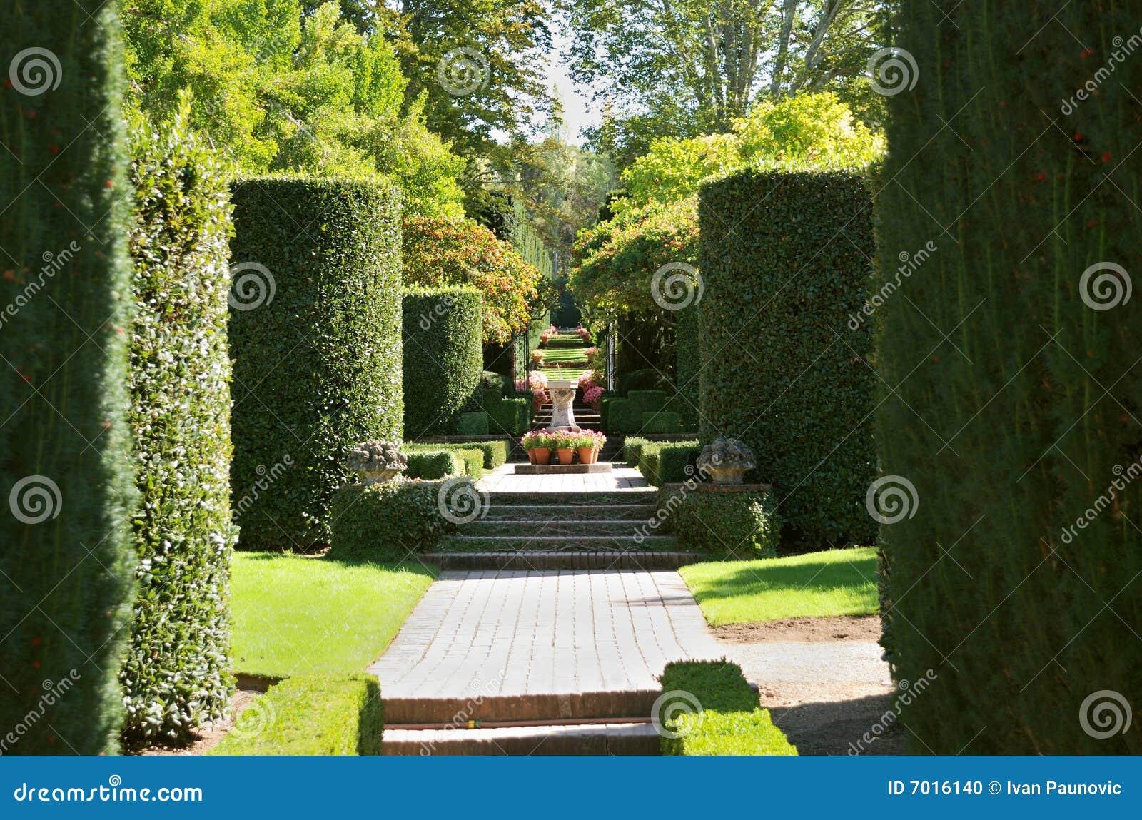 Formele tuin stock foto afbeelding bestaande uit meubilair 7016140 - Formele meubilair ...