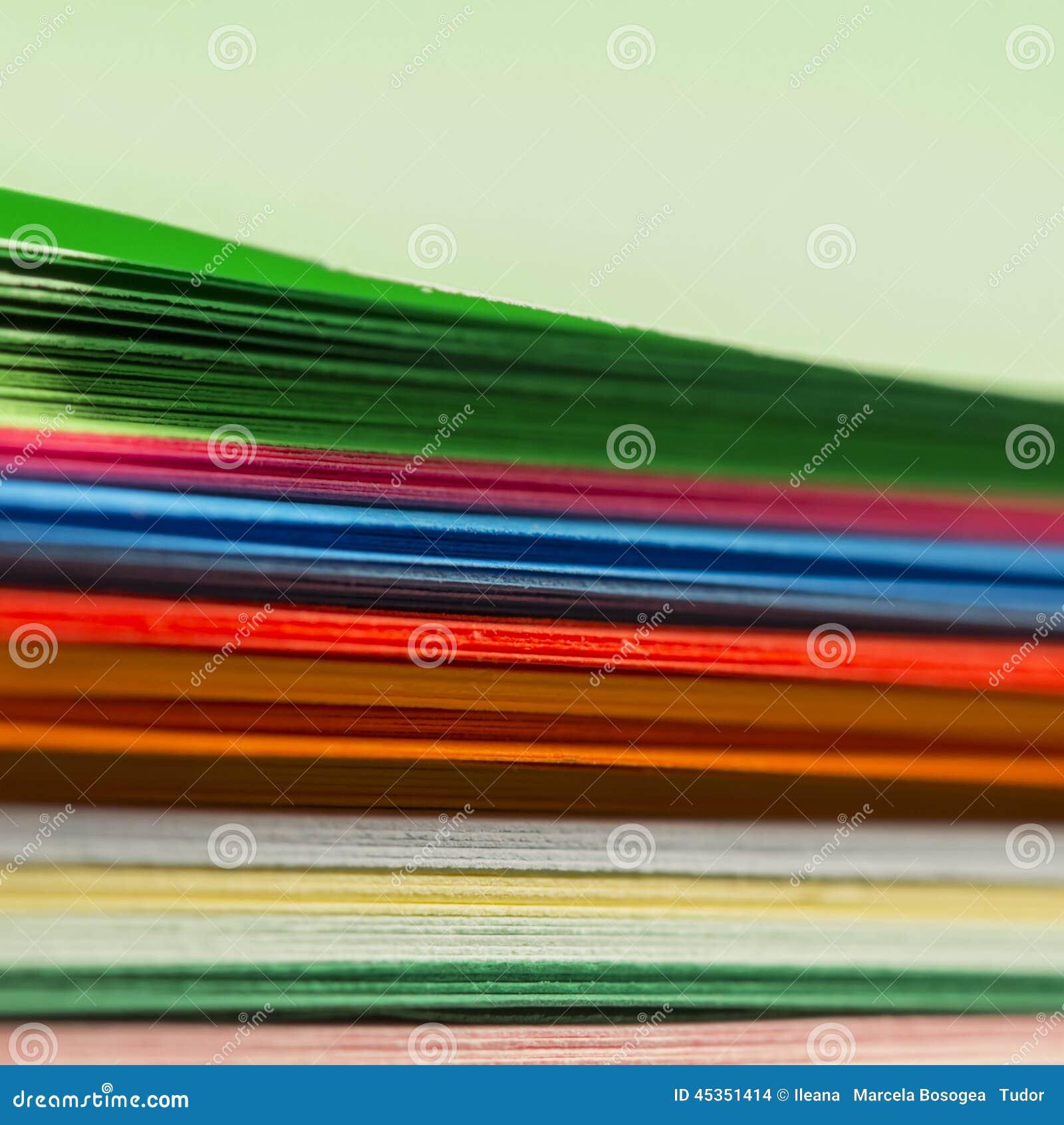 Formes de papier colorées