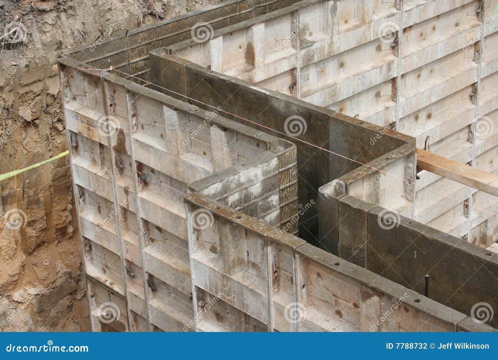 Formul rios de parede moldes para o concreto foto de stock for Molde para cemento