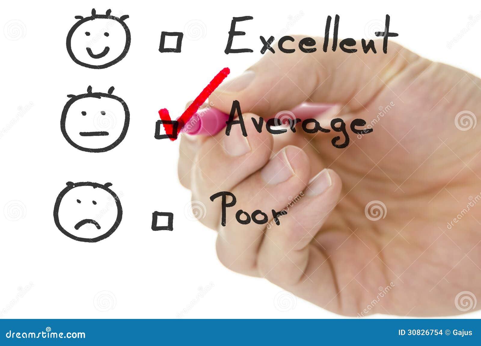 Formulario di valutazione di servizio di assistenza al cliente con il segno di spunta in media