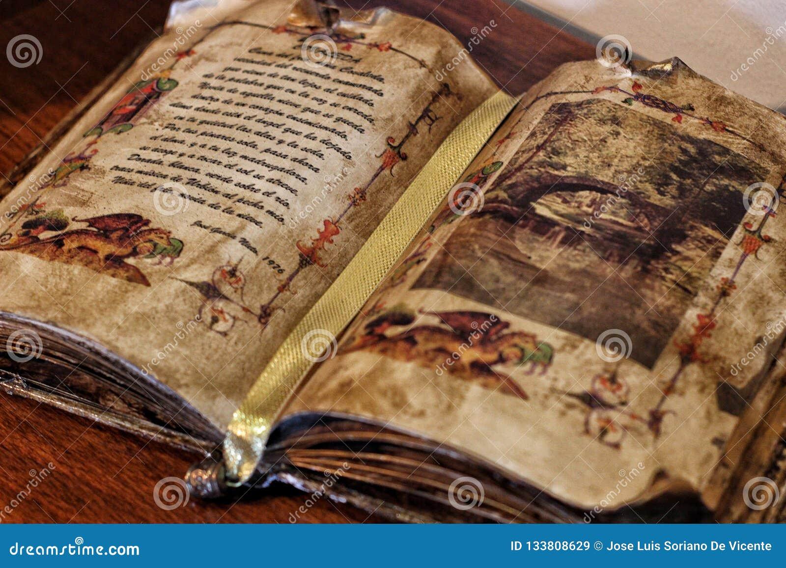 Forntida bok som en dikt är skriftlig i