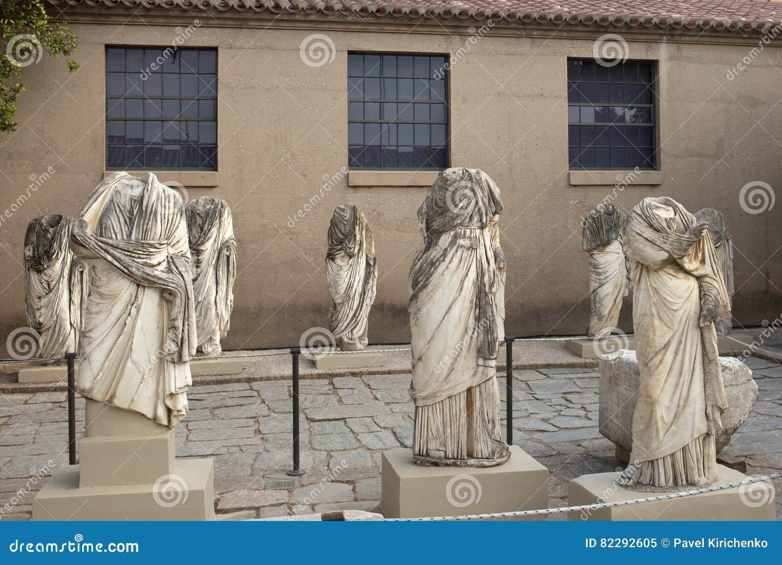 Forntida Corinth, staty i museet