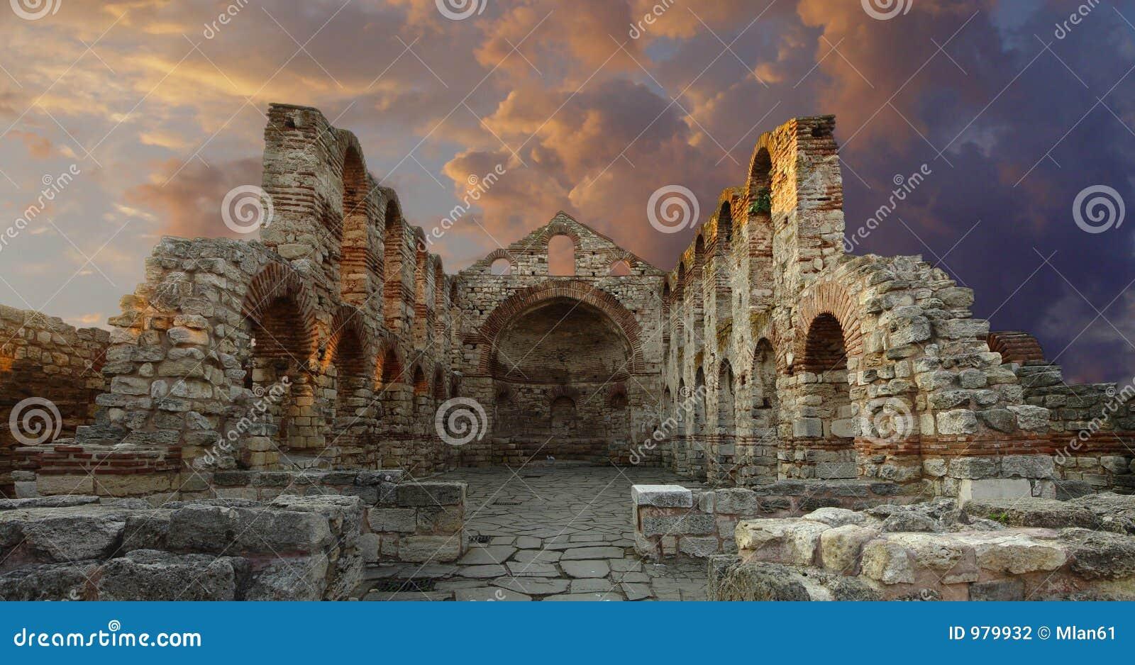 Forntida domkyrka