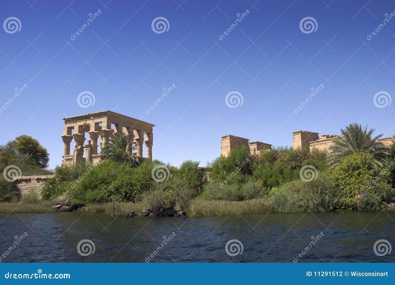 Forntida egypt philae fördärvar tempellopp