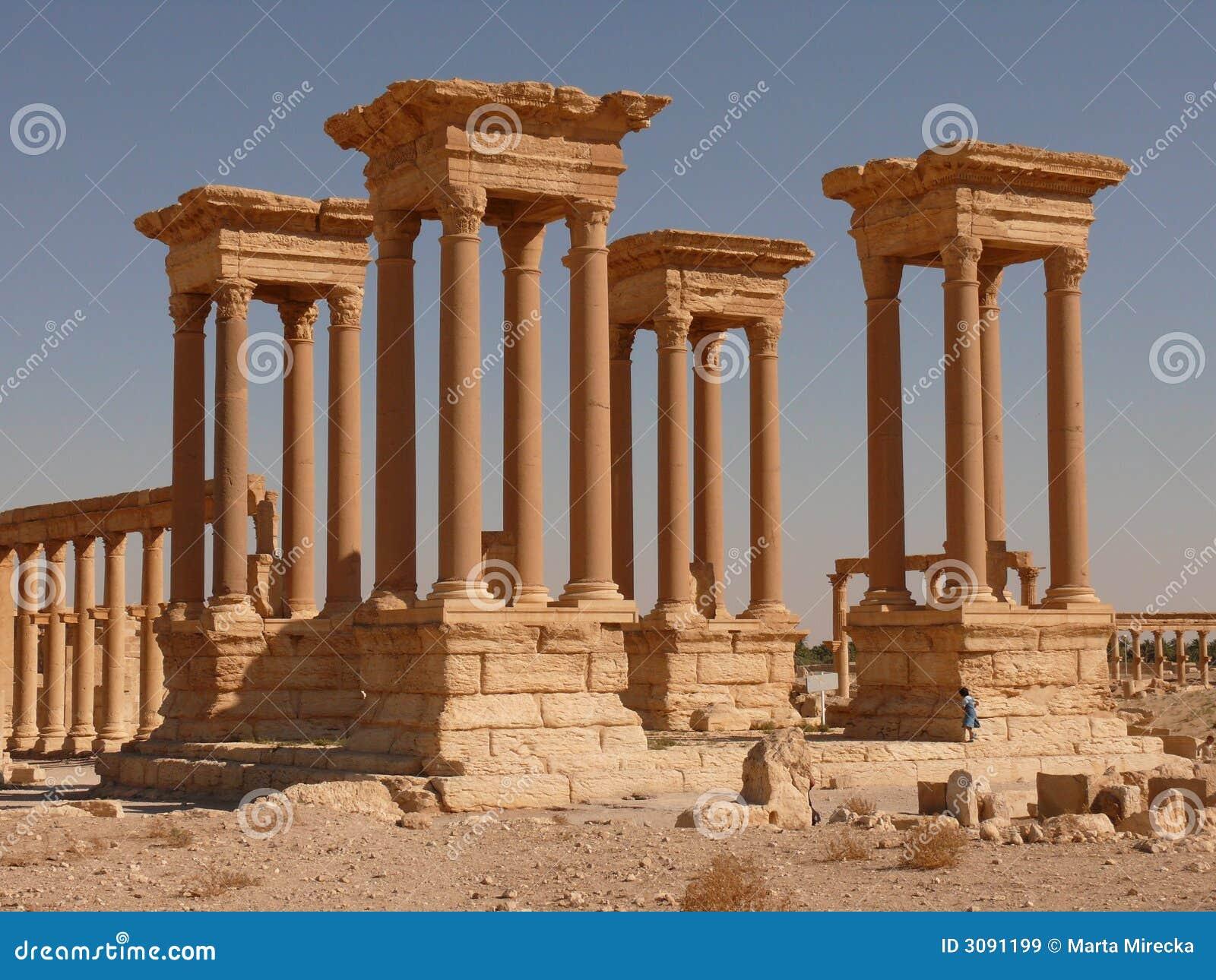 Forntida kolonnflickapalmyra