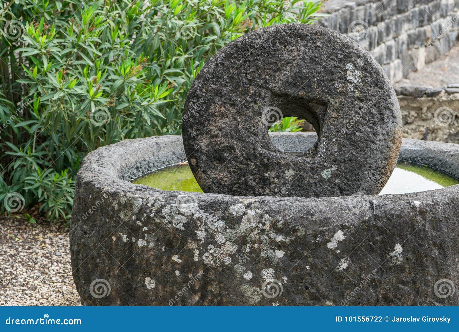 Forntida mala stenen