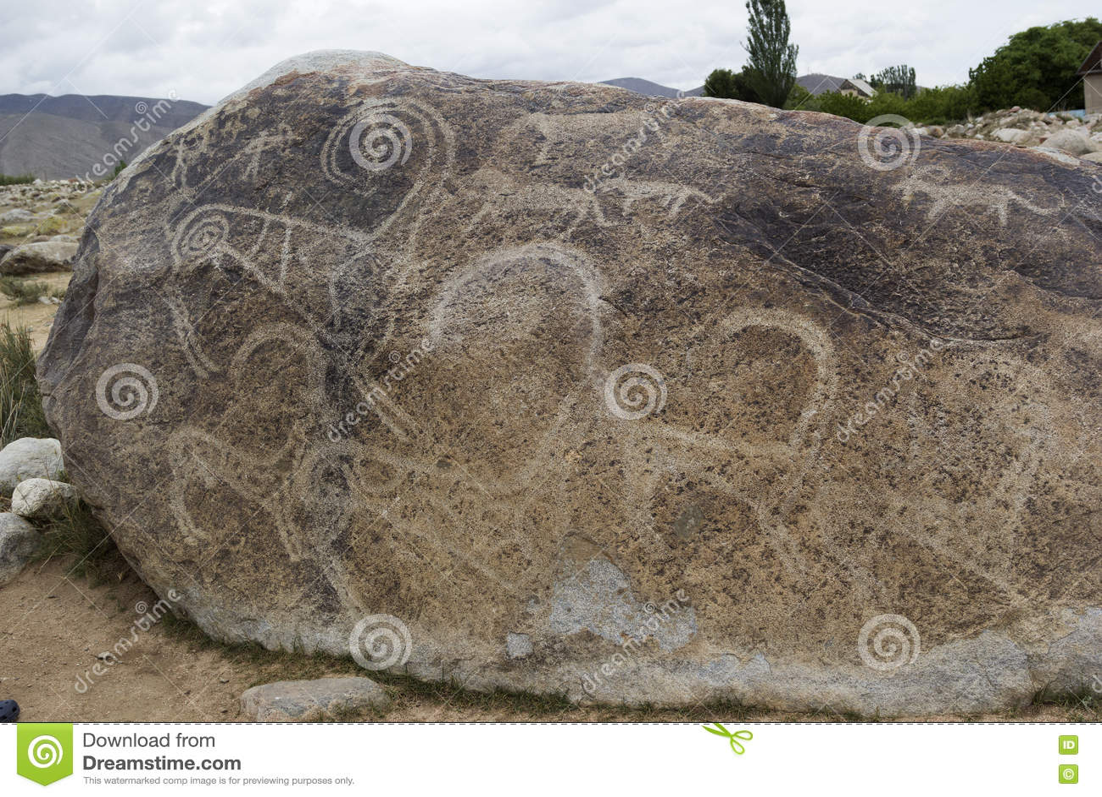 Forntida petroglyph som lokaliseras i Cholpon Ata, Issyk-Kul, Kirgizistan
