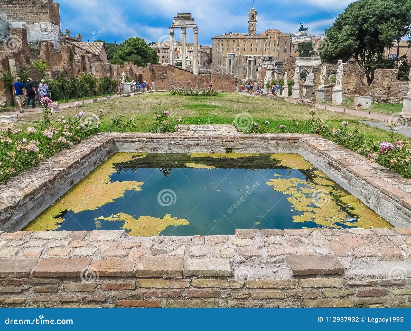 Forntida Roman Forum - hus av Vestaloskulderna
