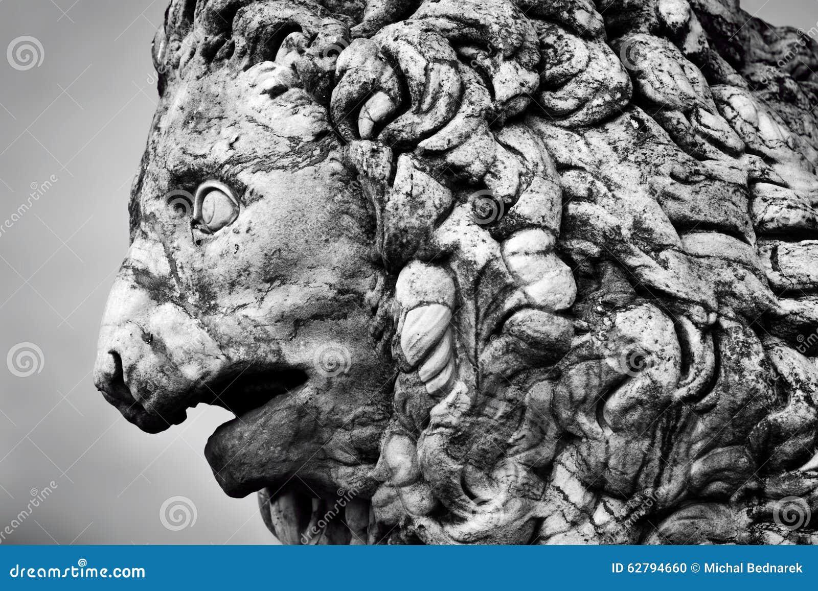 Forntida skulptur av det Medici lejonet florence italy