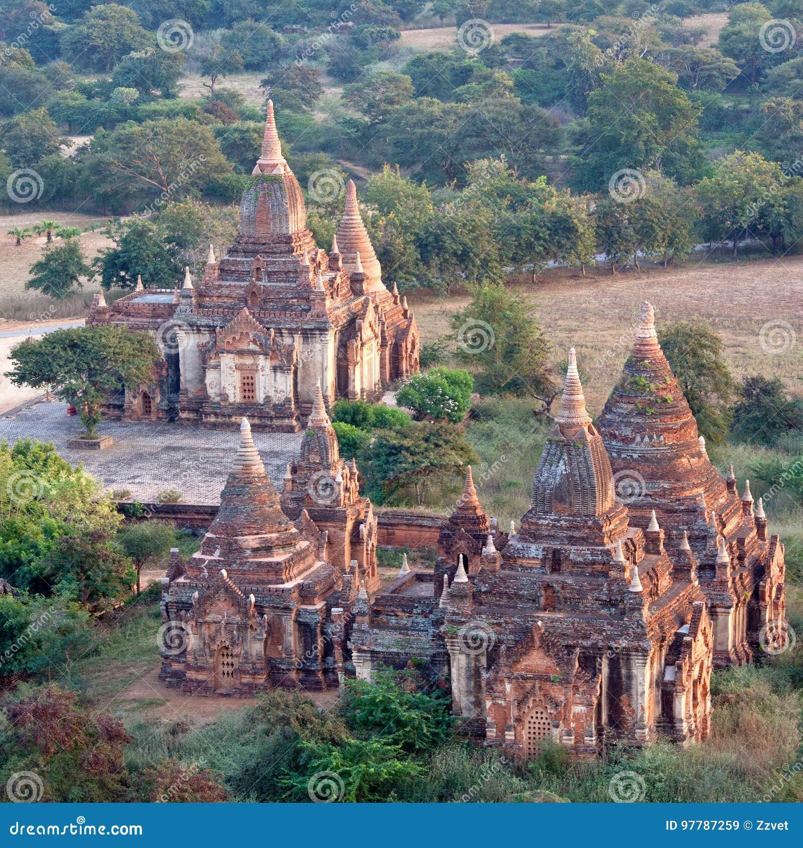 Forntida tempel i Bagan den arkeologiska zonen, Myanmar