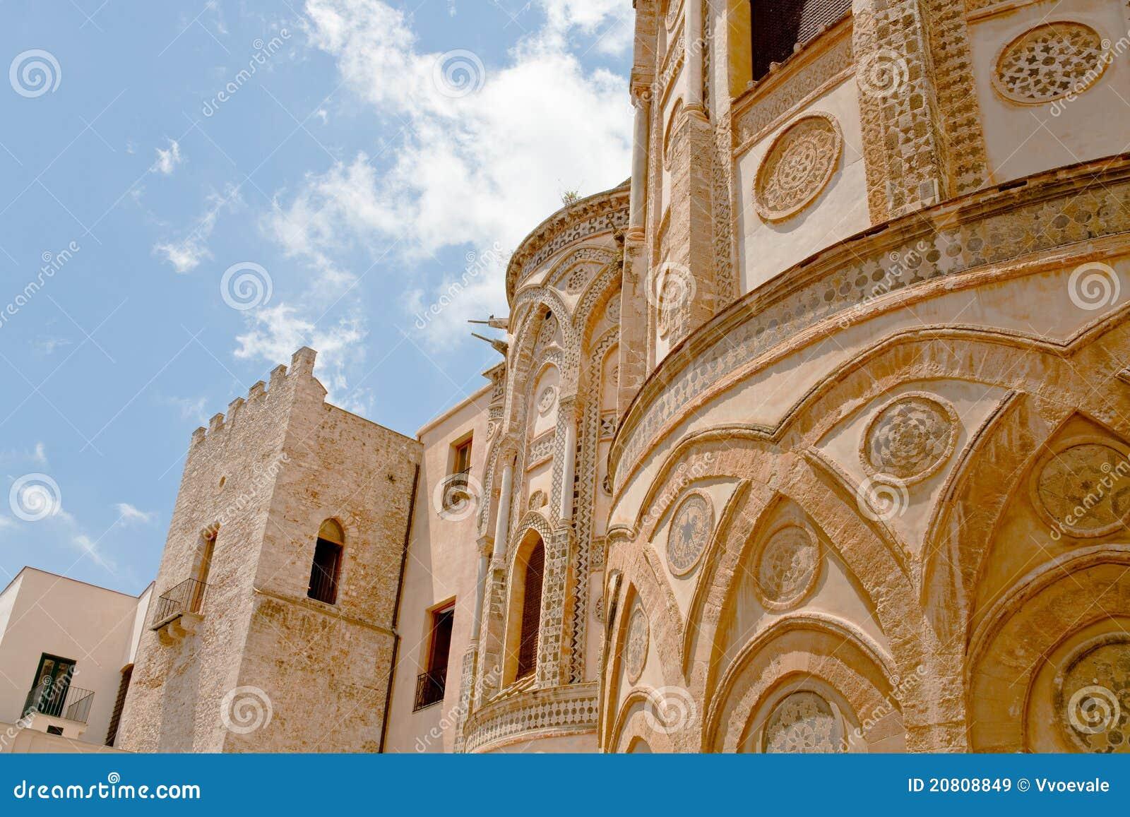 Forntida vägg för norman stil för di duomo monreale