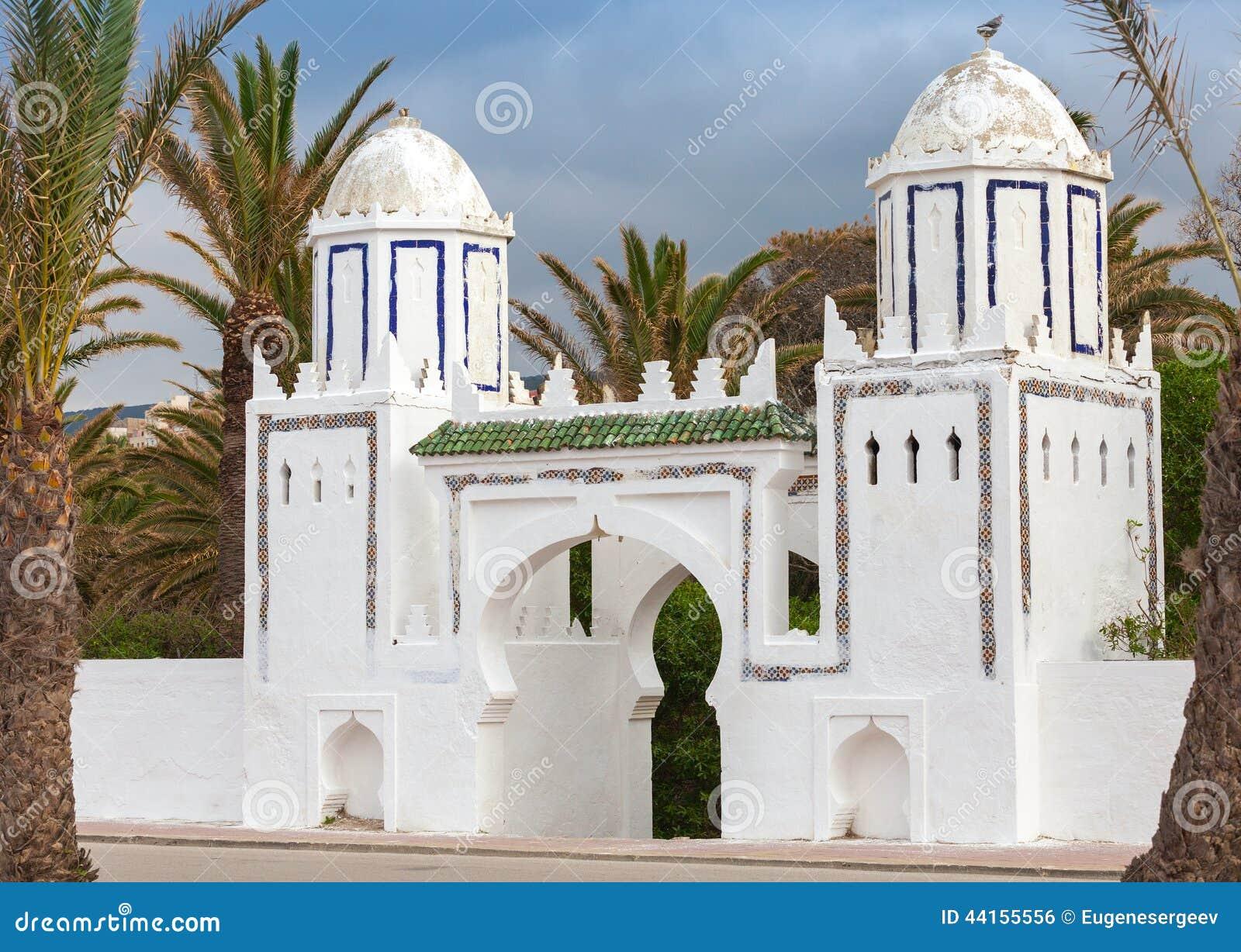Forntida vit port i Tangier, Marocko