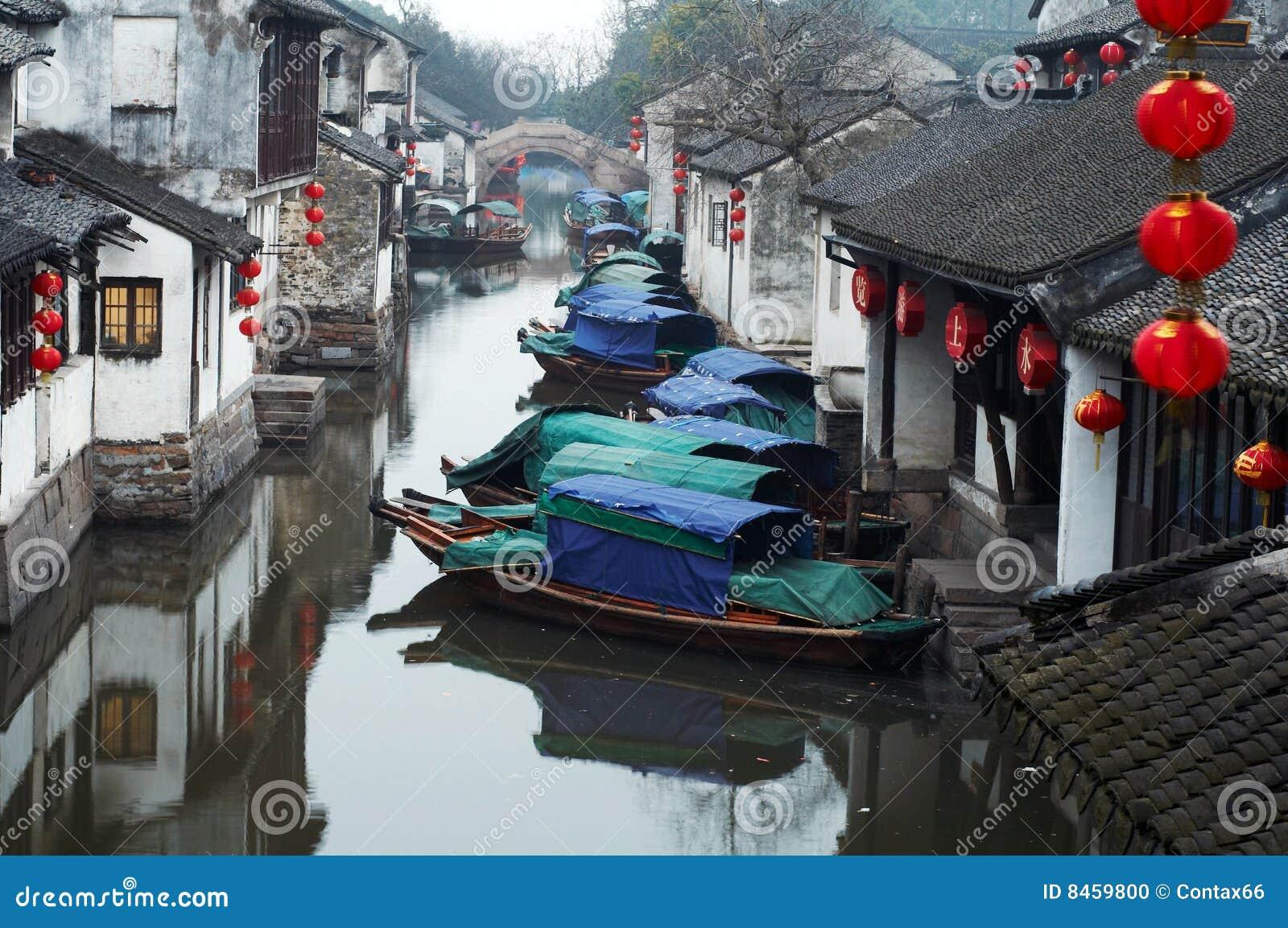 Forntida zhouzhuang för vatten för porslinturismtown