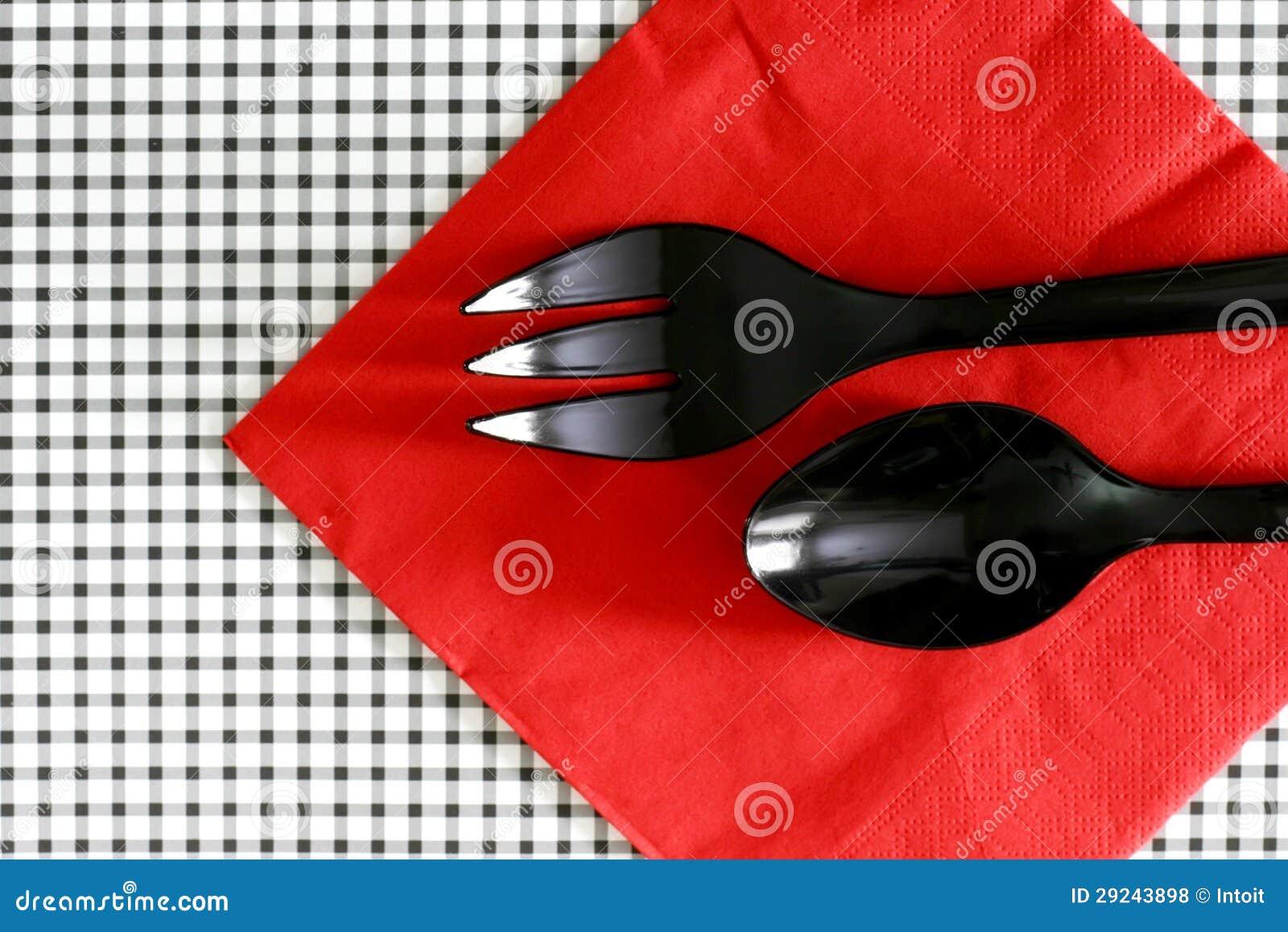 Download Forquilha E Colher De Salada No Serviette Foto de Stock - Imagem de colher, serving: 29243898