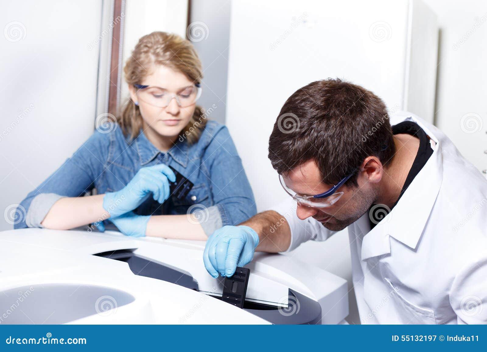 Forskareforskning i en labbmiljö