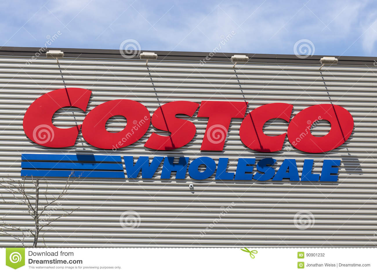 Fort Wayne - vers en avril 2017 : Emplacement de vente en gros de Costco La vente en gros de Costco est un détaillant global du d
