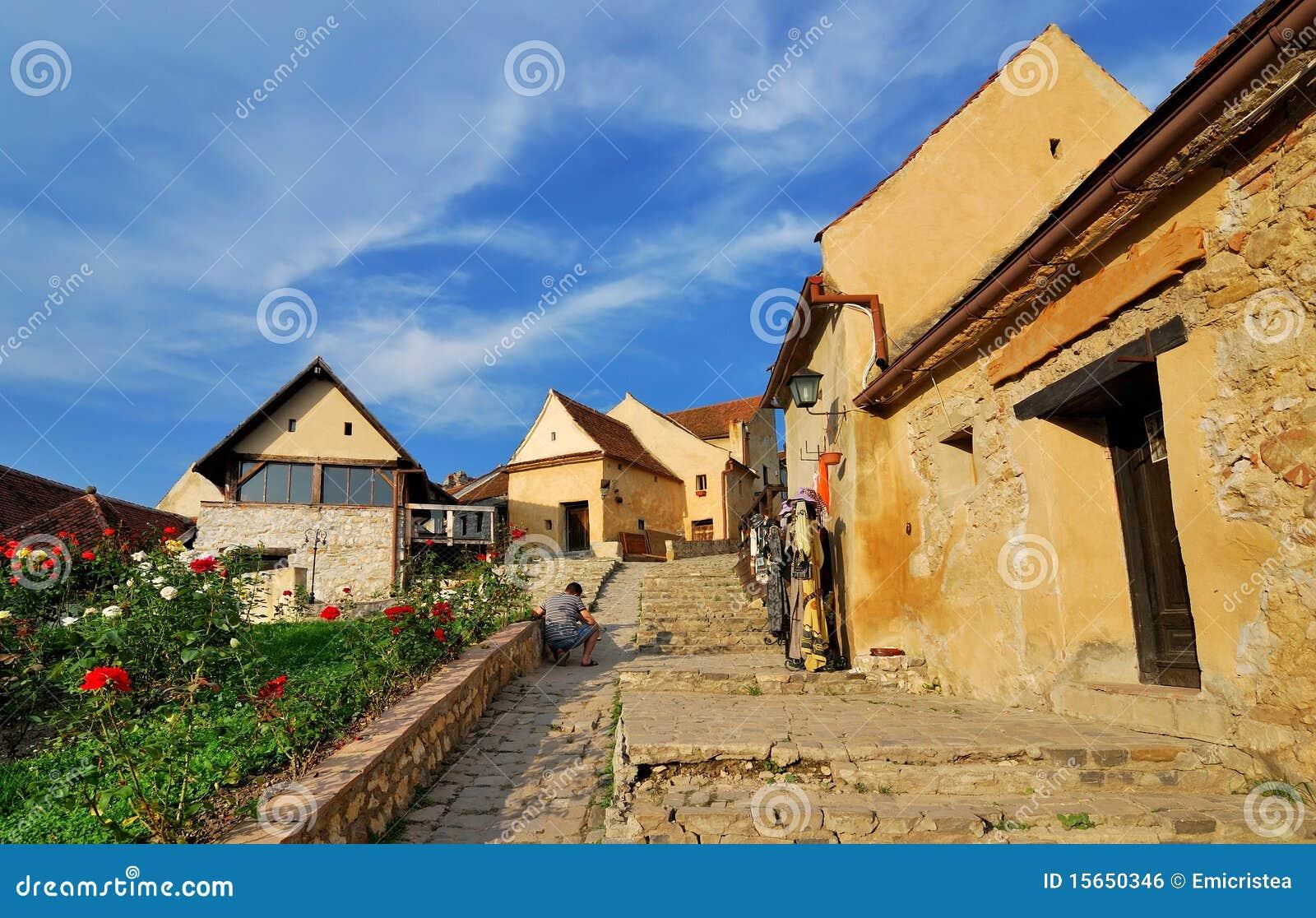 Fortaleza de Rasnov, calle estrecha, Transilvania
