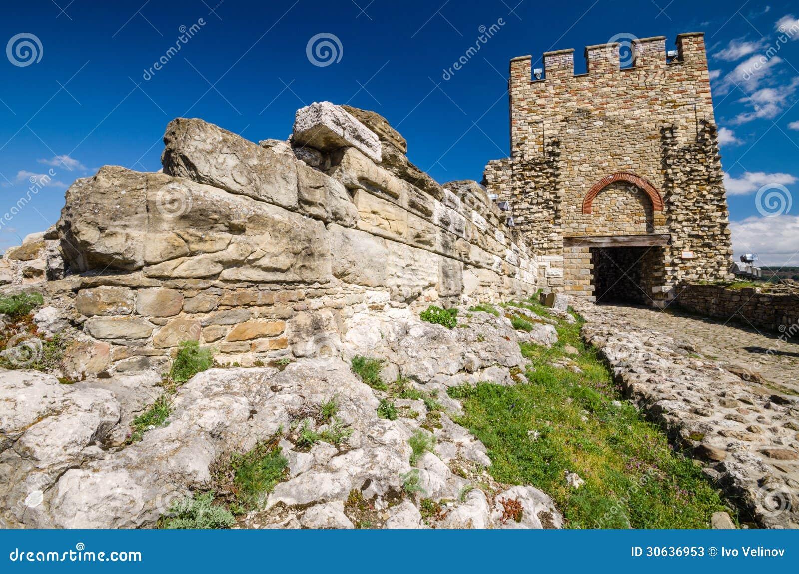 Veliko Tarnovo Bulgaria  city images : Tubo principal de la fortaleza de Tzarevetz, Veliko Tarnovo, Bulgaria.