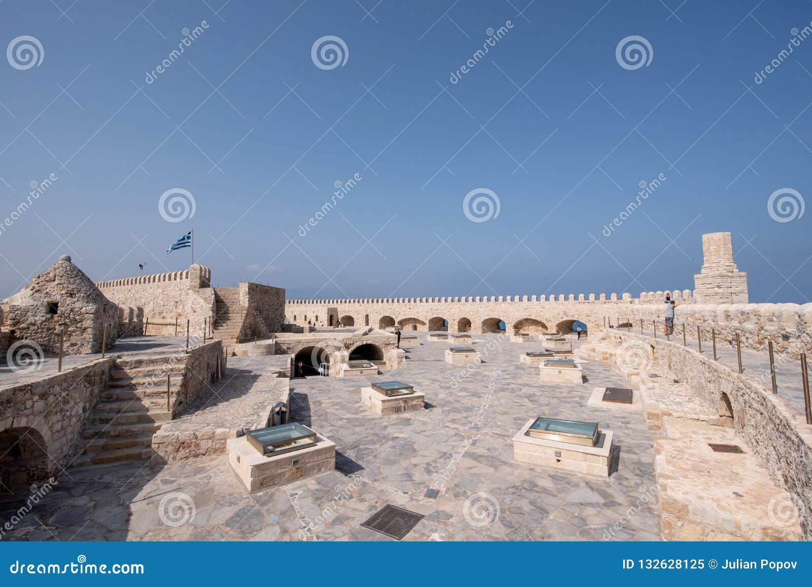 Fortaleza veneciana vieja en la ciudad de Heraklion, Creta de Koules Tapa v