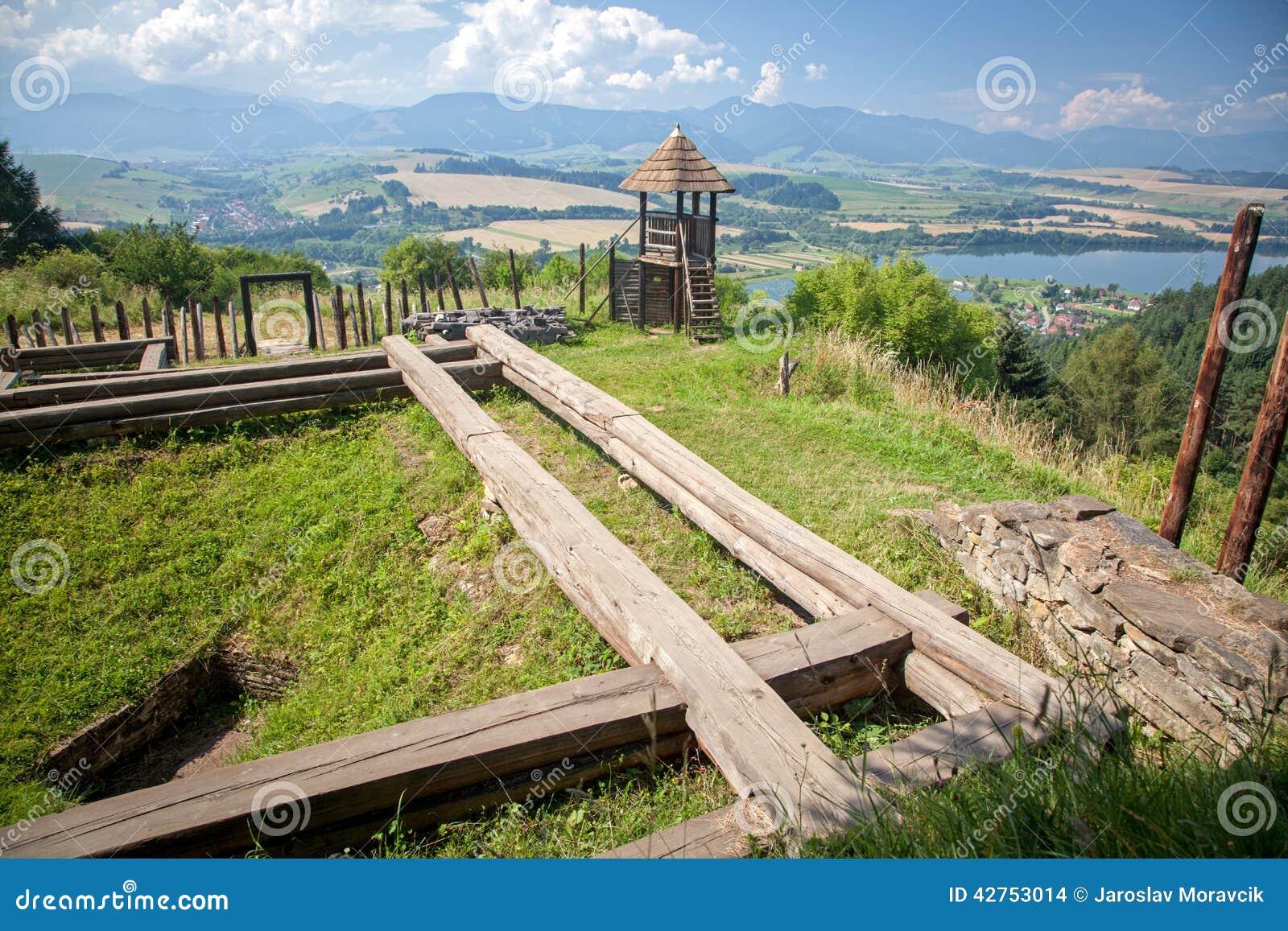Forte celta do monte em Havranok - Eslováquia