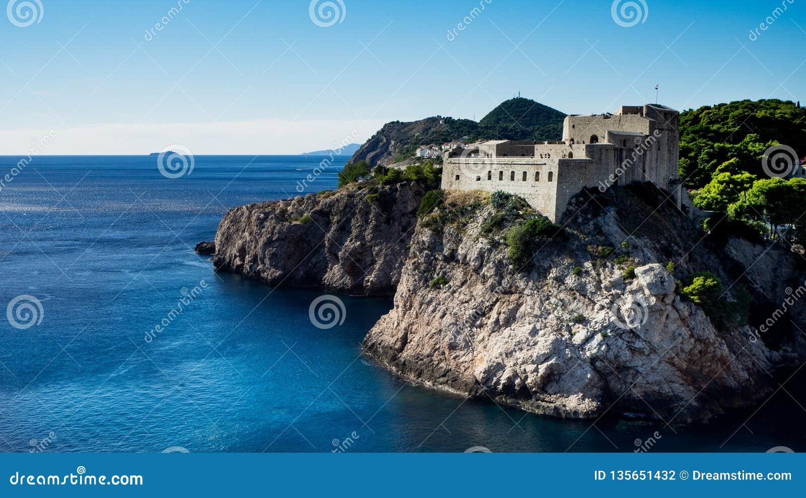 Forteczny Lovrijenac jest grze Ustawiającym w Dubrovnik trony Strzela