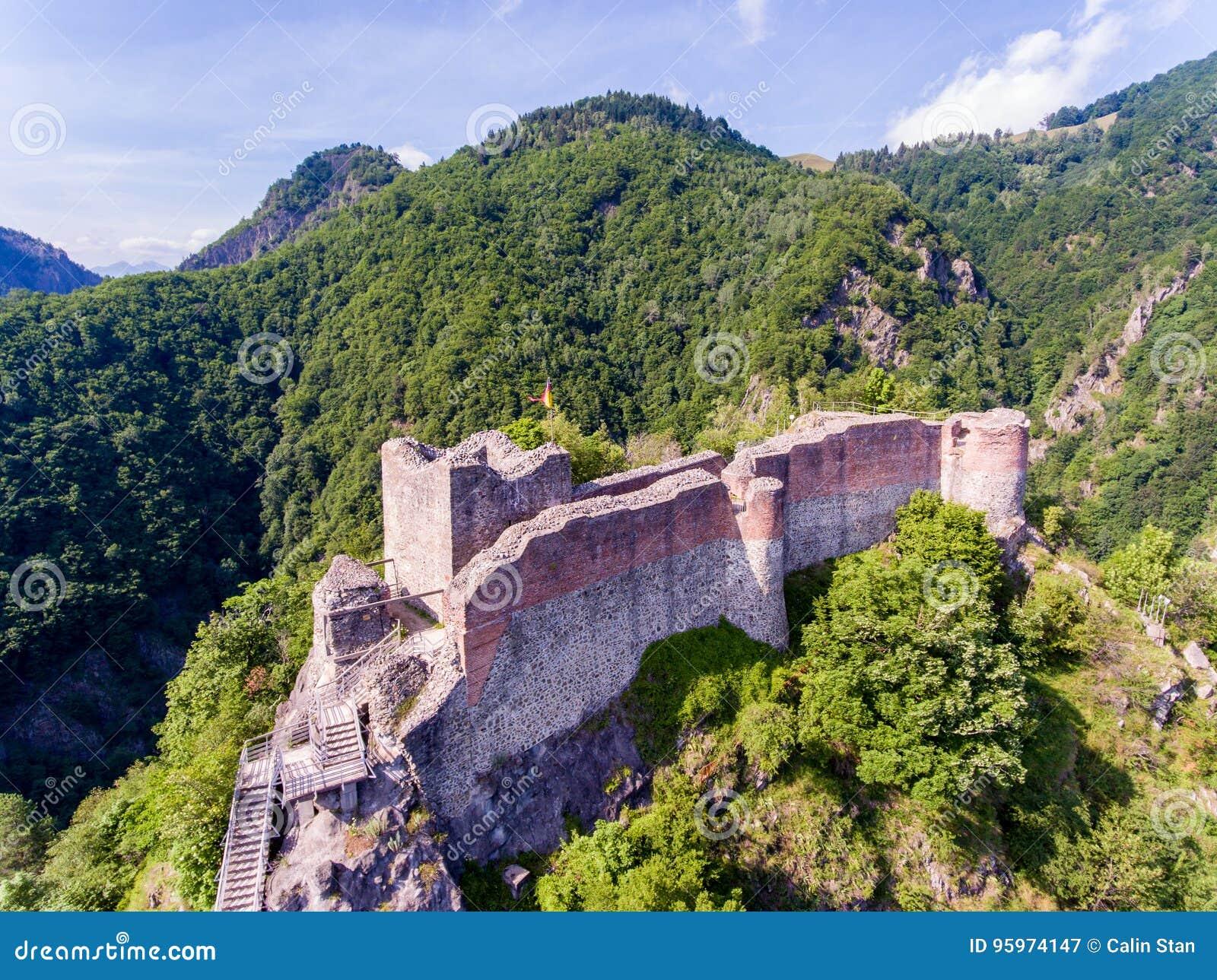 Forteresse Poenari en Transylvanie, un des châteaux de Vlad