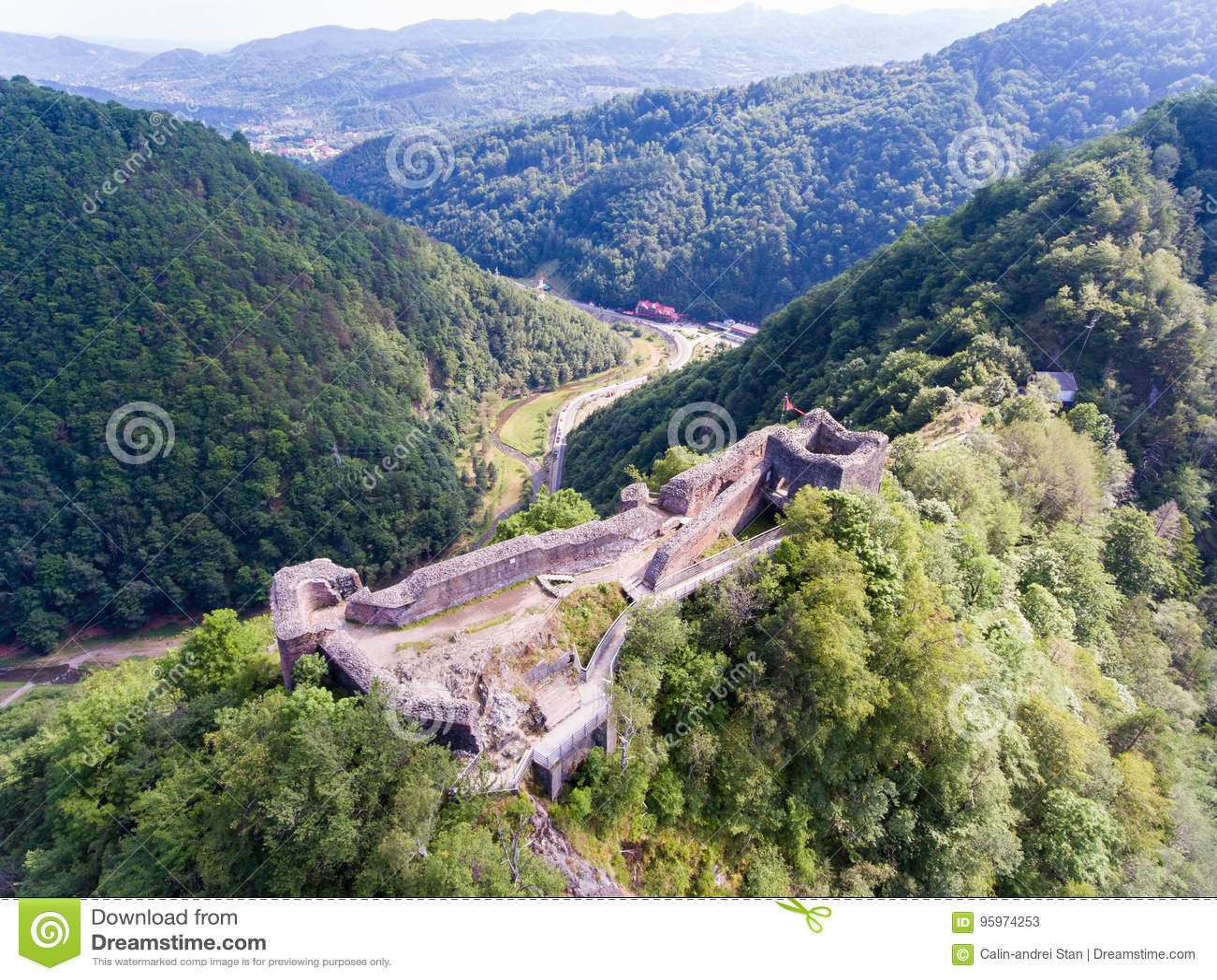 Forteresse Poienari, Arefu, comté Roumanie d Arges