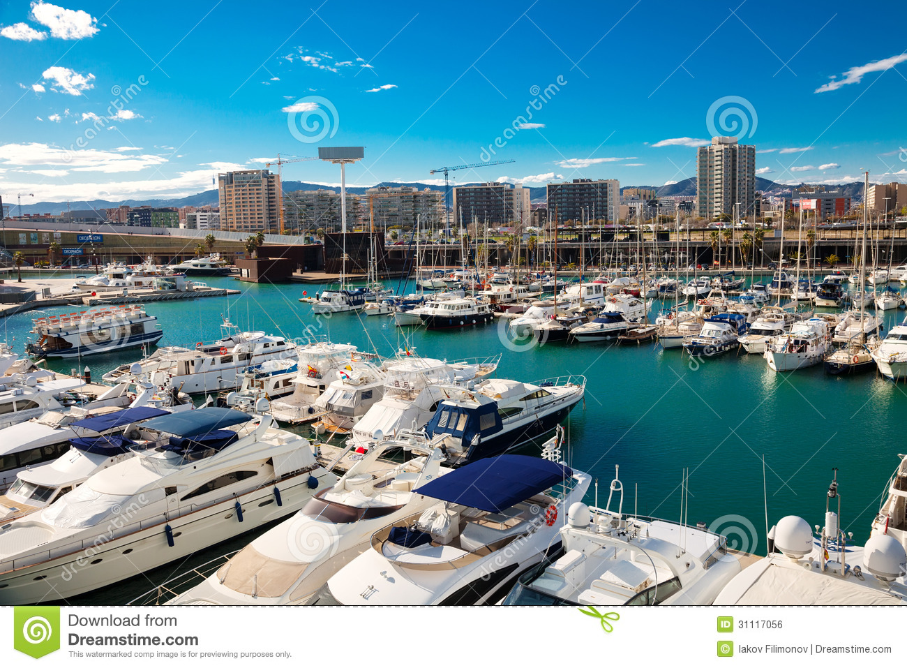 Forum de port barcelone photo ditorial image 31117056 - Port de plaisance barcelone ...