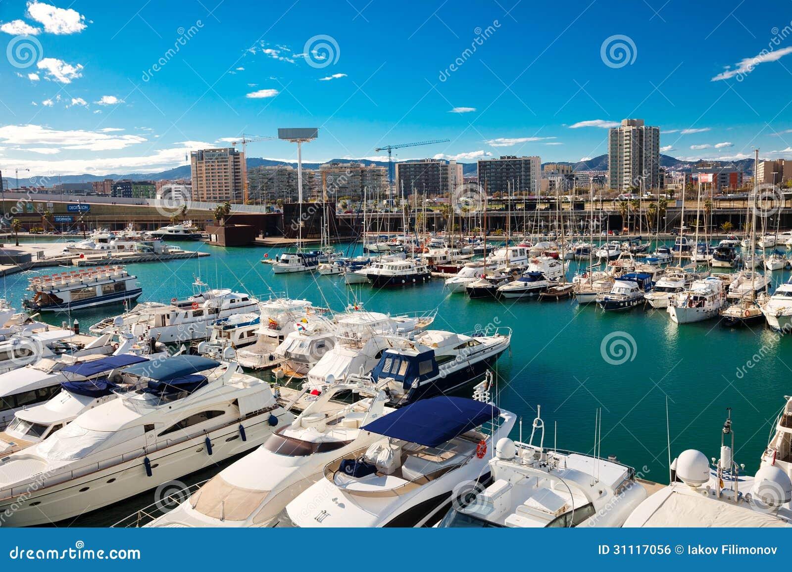 Forum de port barcelone photo ditorial image 31117056 - Port de plaisance barcelone ...