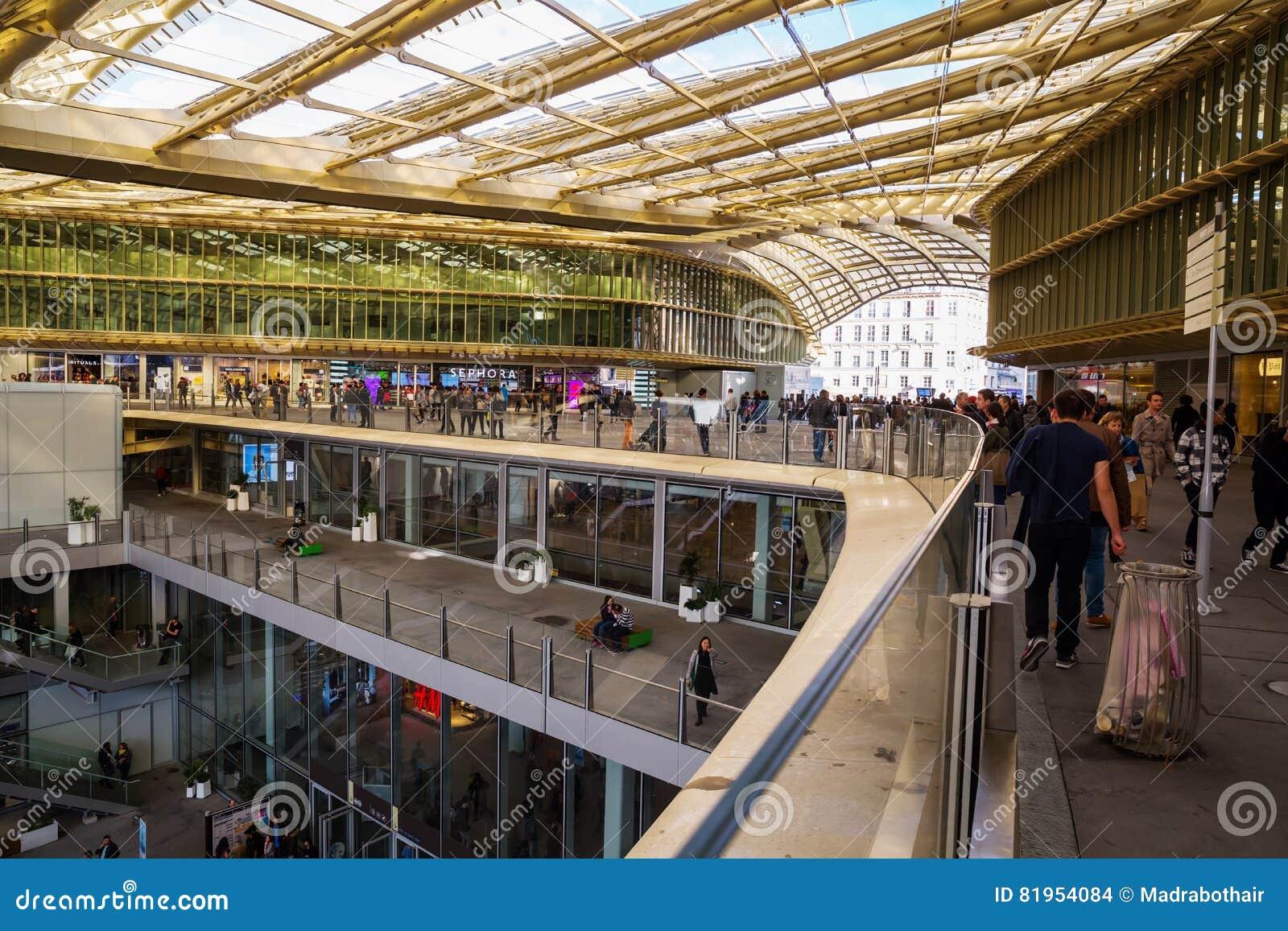 Forum les halles in paris france editorial stock image image 81954084 - Forum des halles paris ...