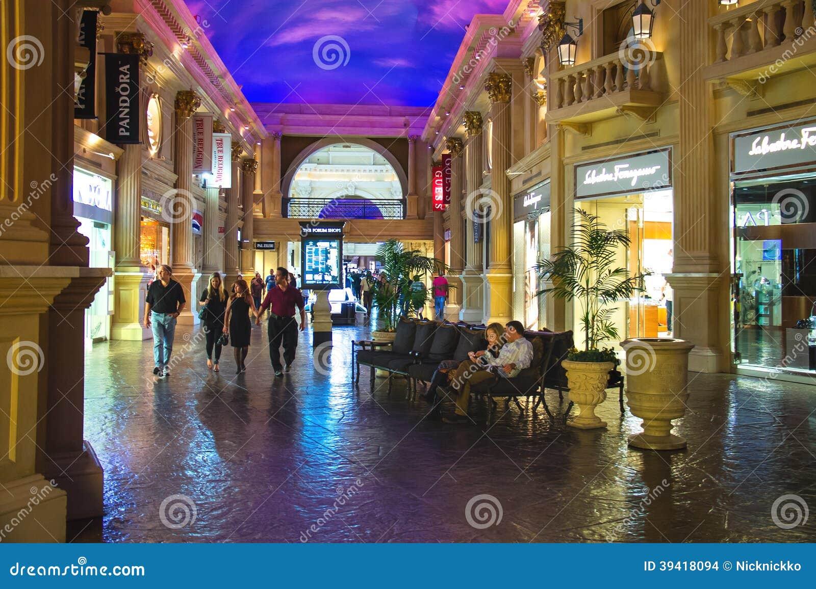 moncler las vegas forum shops