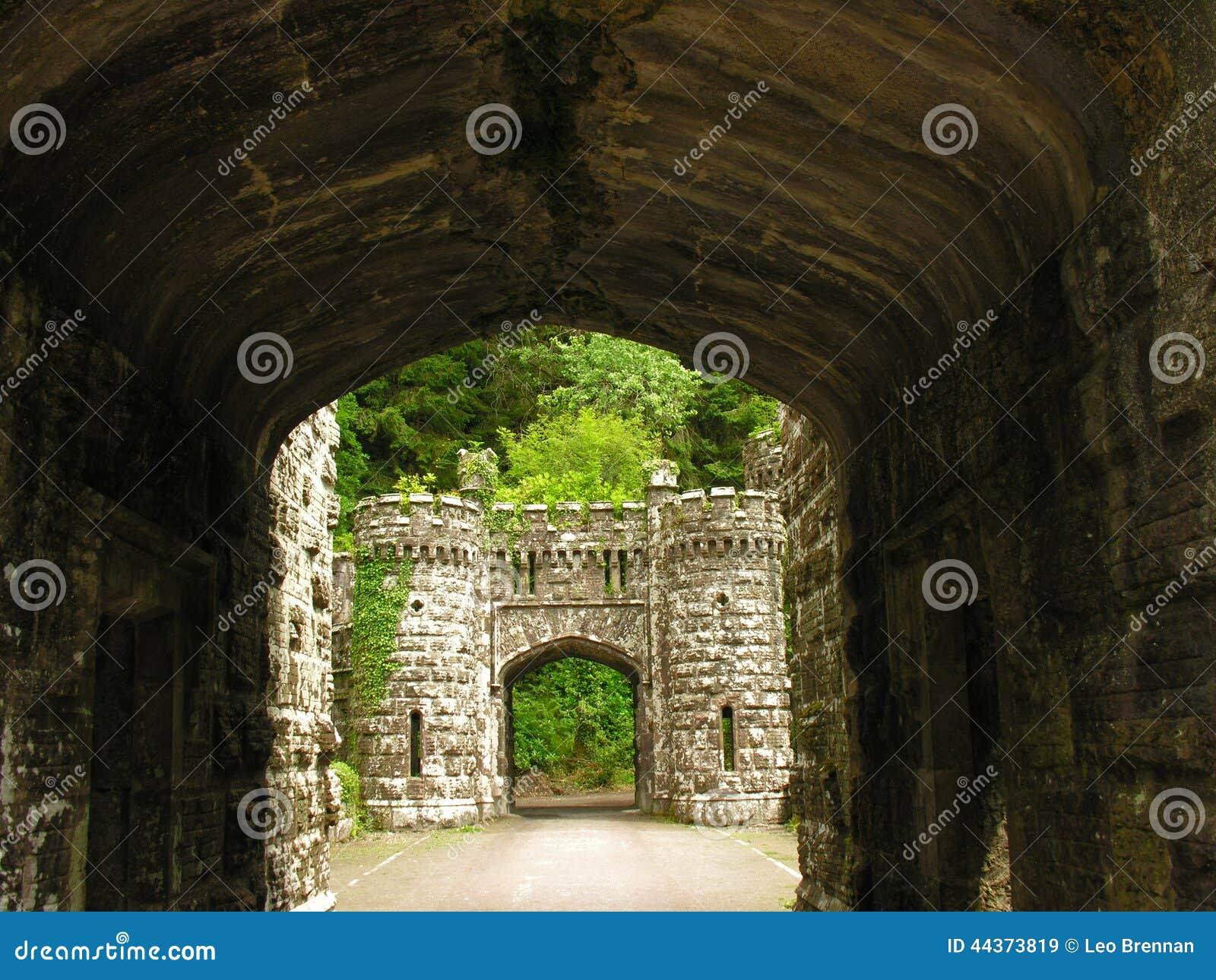 Fossato dell entrata del castello