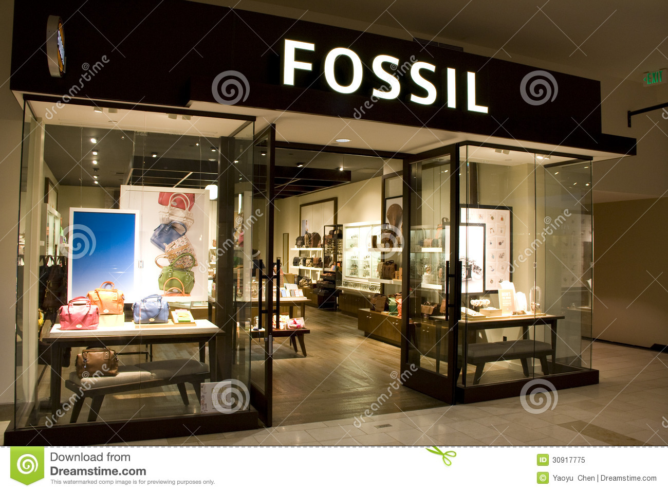 Fossil clothing store. Clothing stores