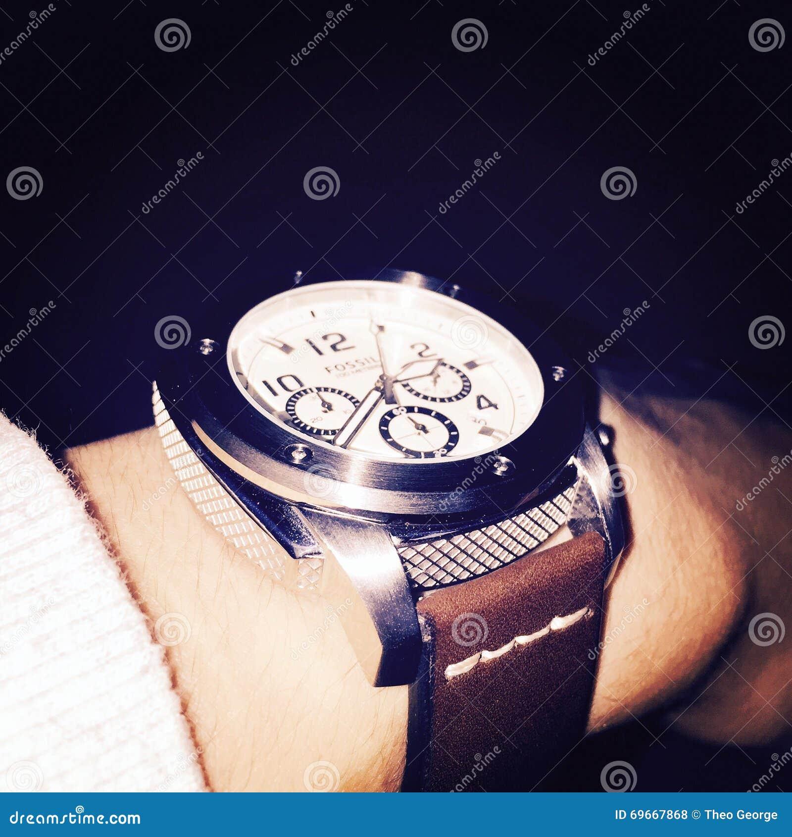 fossile de montre photo stock ditorial image 69667868. Black Bedroom Furniture Sets. Home Design Ideas
