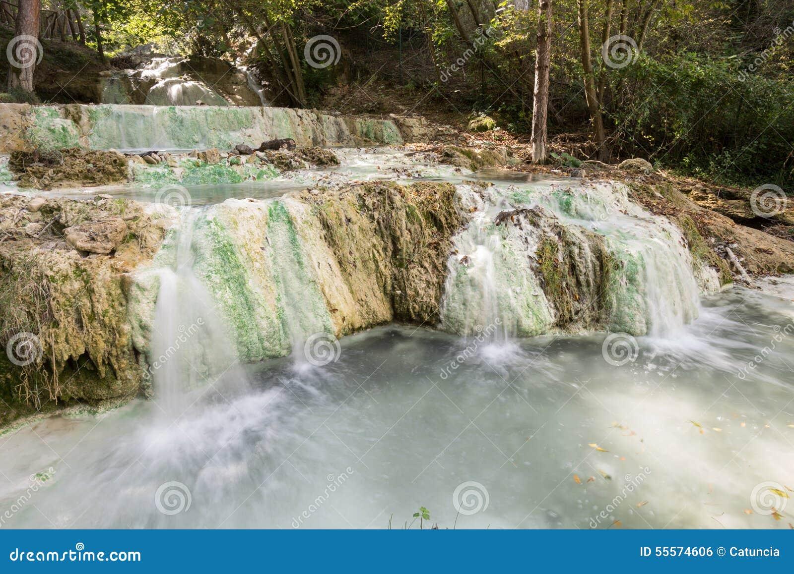 Fosso Bianco Hot Springs Em Bagni San Filippo Foto de Stock - Imagem ...