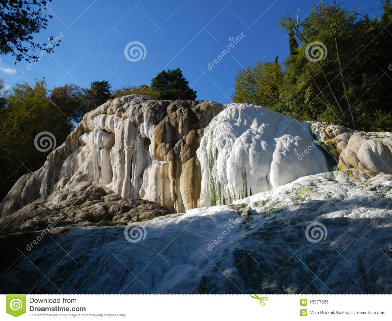 https://thumbs.dreamstime.com/z/fosso-bianco-near-bagni-di-san-filippo-natural-hot-springs-tuscany-italy-tuscany-more-than-just-florence-leaning-66977566.jpg