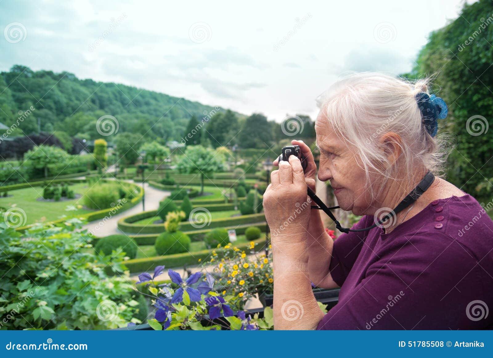 Fotógrafo superior ativo