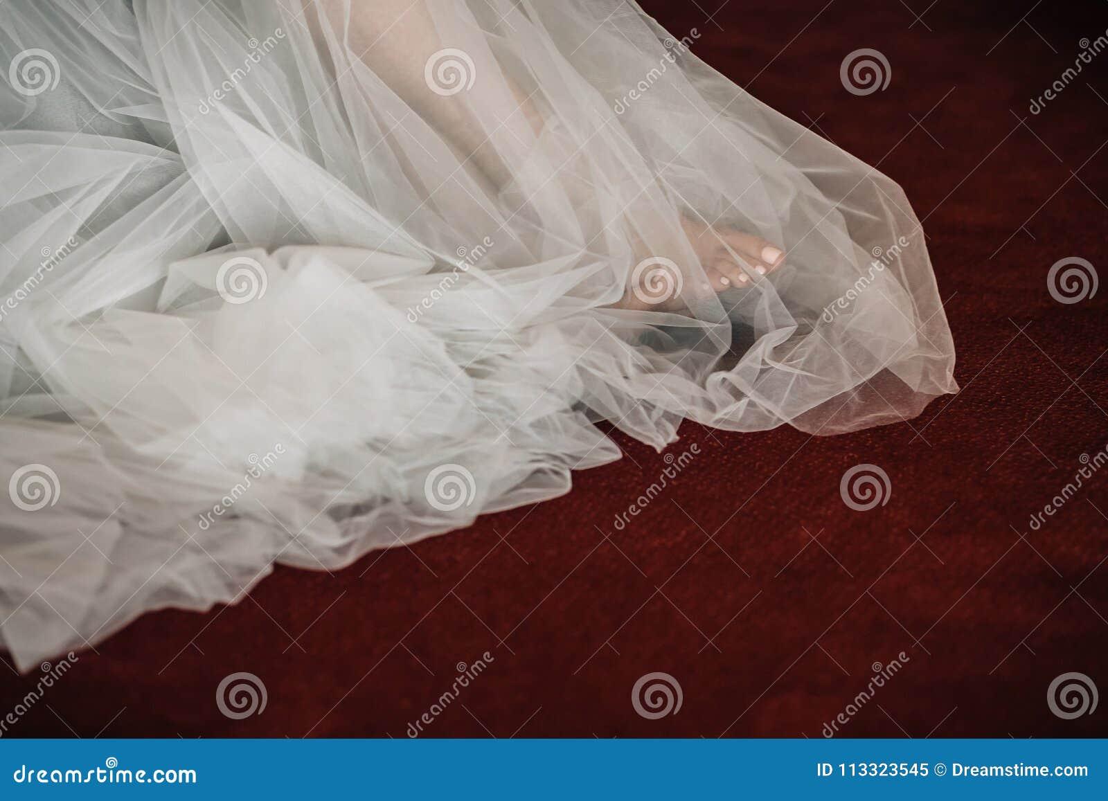 Fot under klänningen