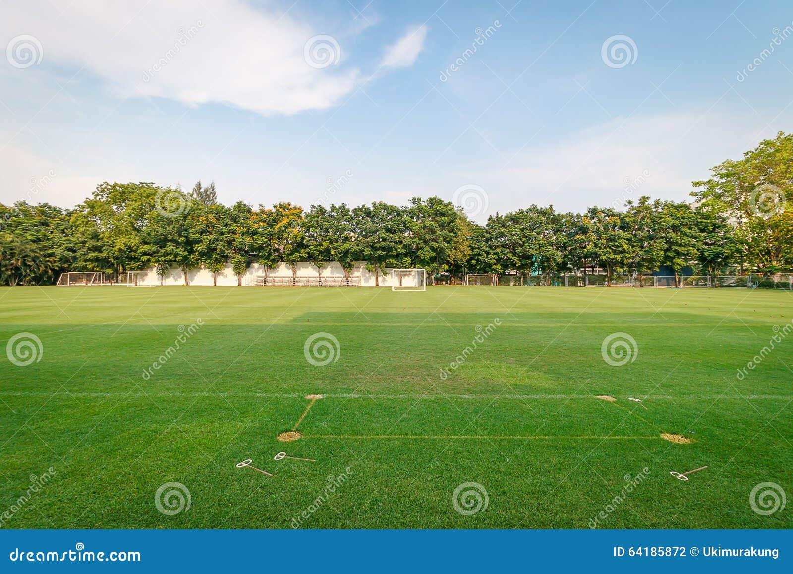 Fotboll eller fotboll sätter in