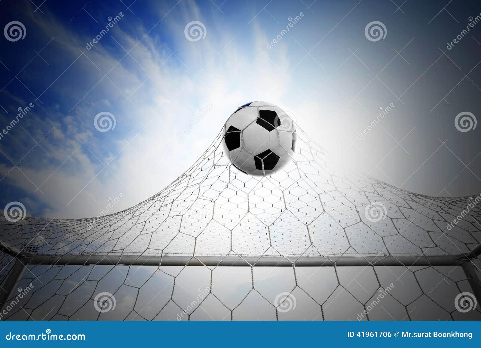 Fotbollfotboll i mål förtjänar