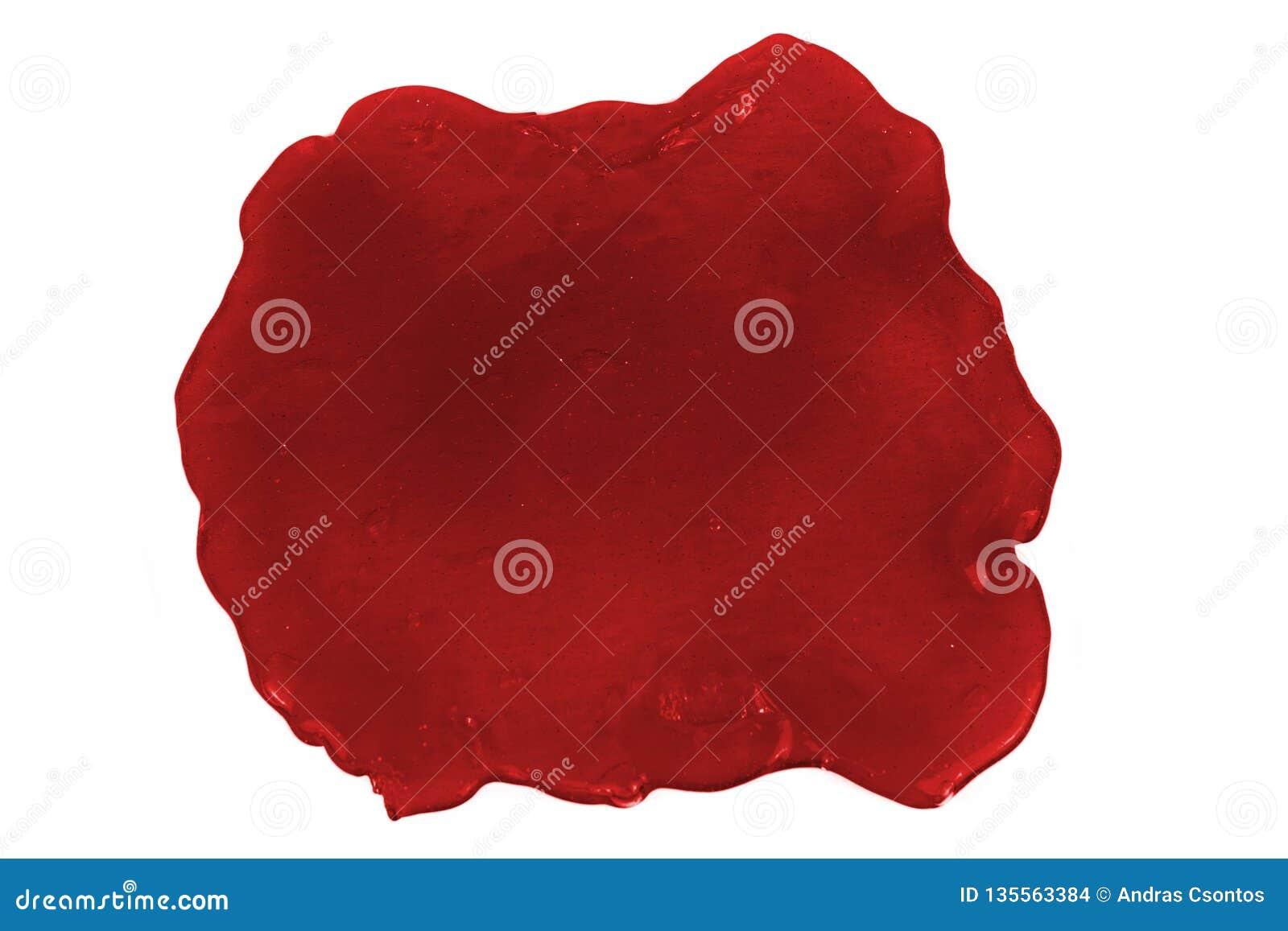 Foto alta vicina della macchia rossa della melma isolata su fondo bianco