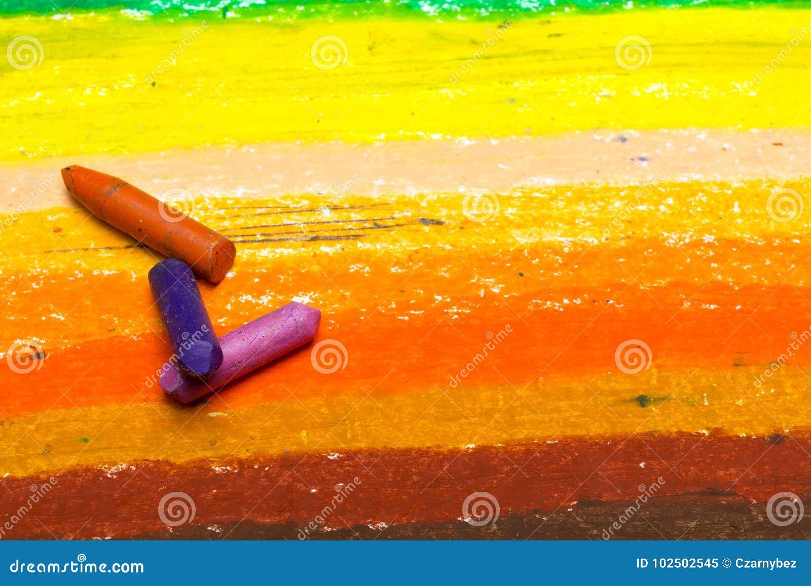 Foto av den färgrika teckningen och olje- pastellfärgpennor,