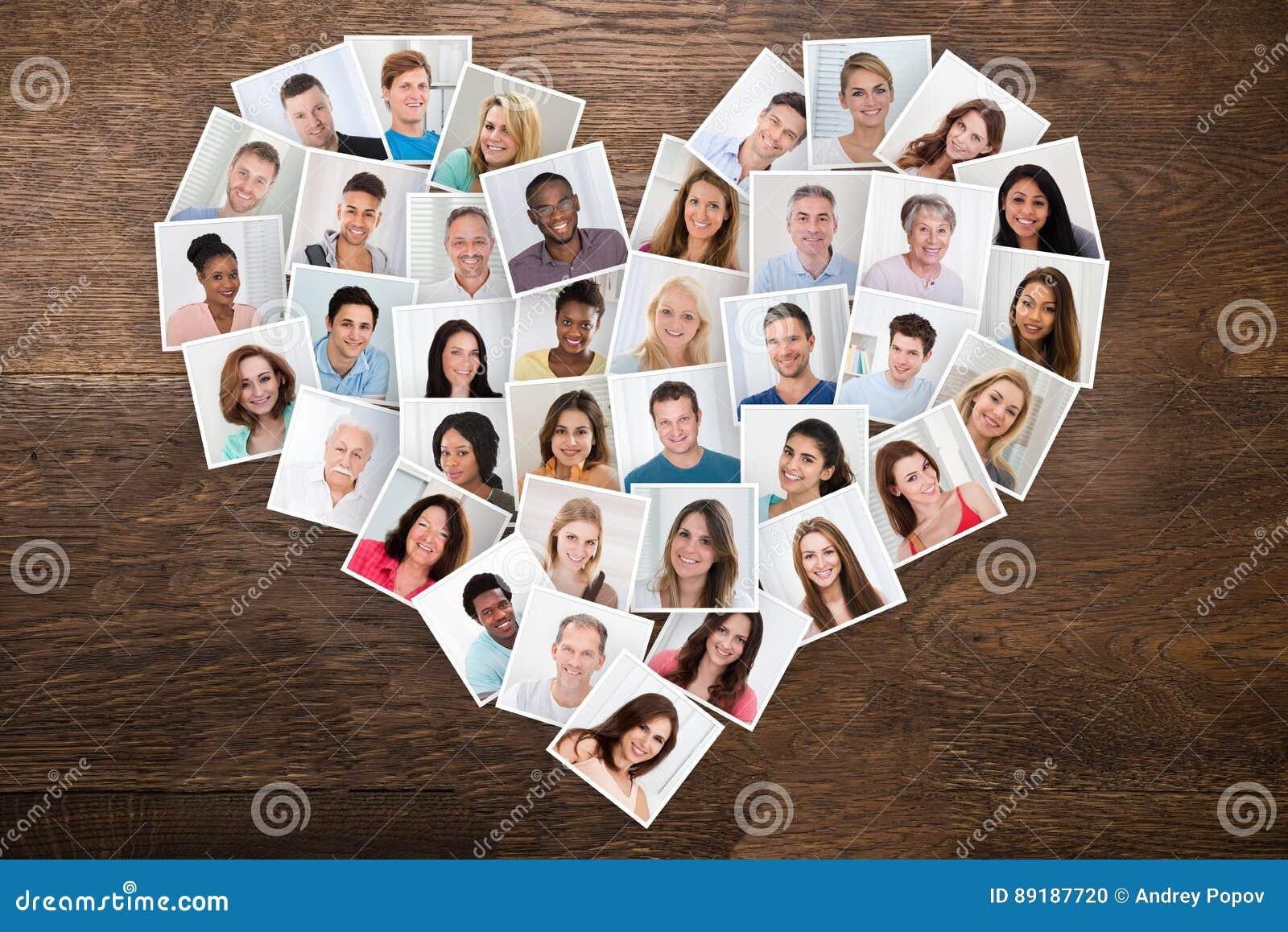 Foto av folk i en hjärta Shape